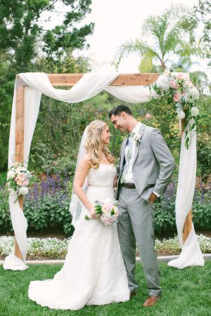 Garden wedding decoration ideas undercover live entertainment garden wedding decorations 2 simple yet sophisticated look which gives you a better view junglespirit Choice Image