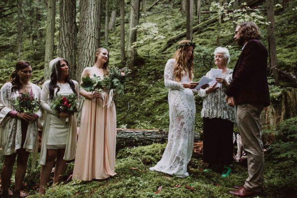 Into the Woods: Forest Themed Wedding Entertainment Ideas