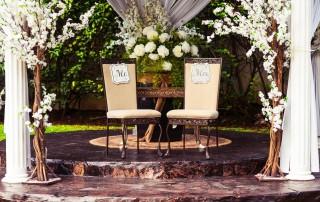 organize a fabulous micro wedding